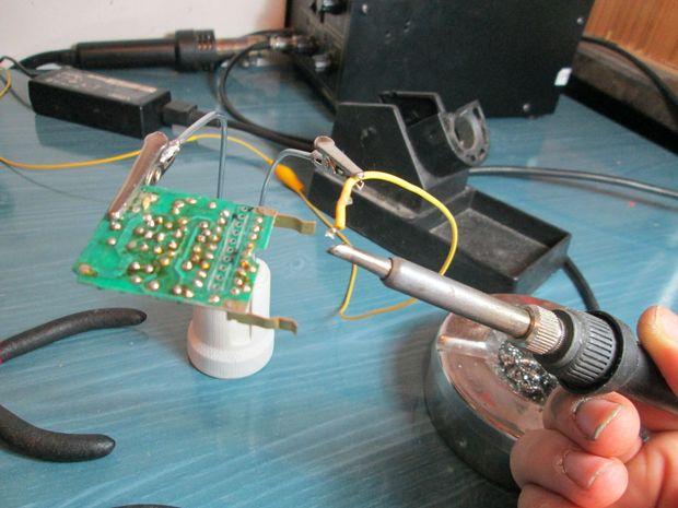 Kendin Yap, çok basit ve ucuz lehimleme yardımcısı, www.kendinyapsitesi.com