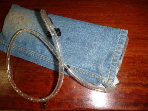 Su torbasi (Camelbak) için yalitimli kilif yapimi : www.KendinYapSitesi.com