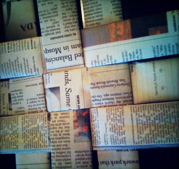 Gereksiz gazetelerden sepet yapımı